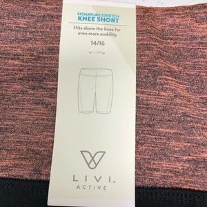 Livi knee shorts black with accent fabric
